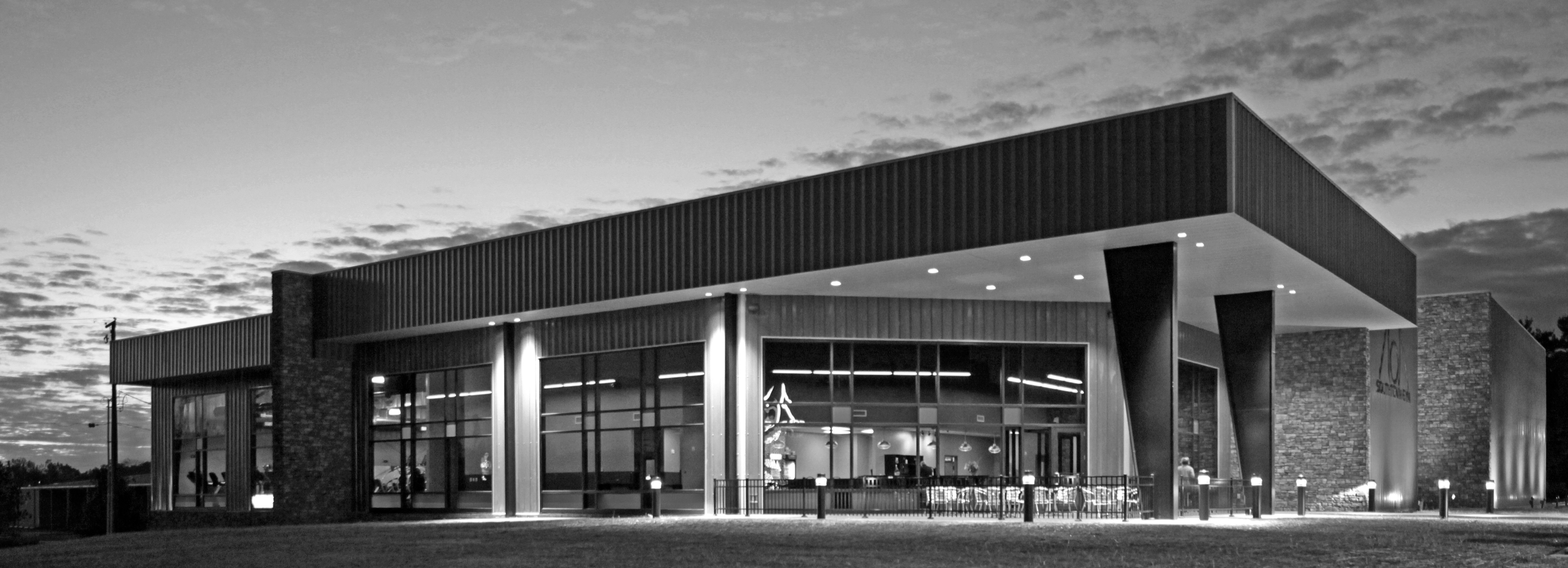 southtown-gym-zanesville-ohio-archtectural-apg-architects-fitness-center-steel-building-modern-industrial